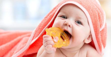 آرام کردن کودکان در زمان رشد دندانهای شیری